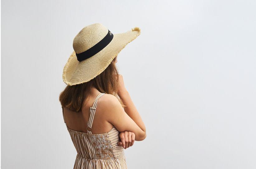 Pălărie de paie – la ce ținute se va potrivi cel mai bine? Te sfătuim!