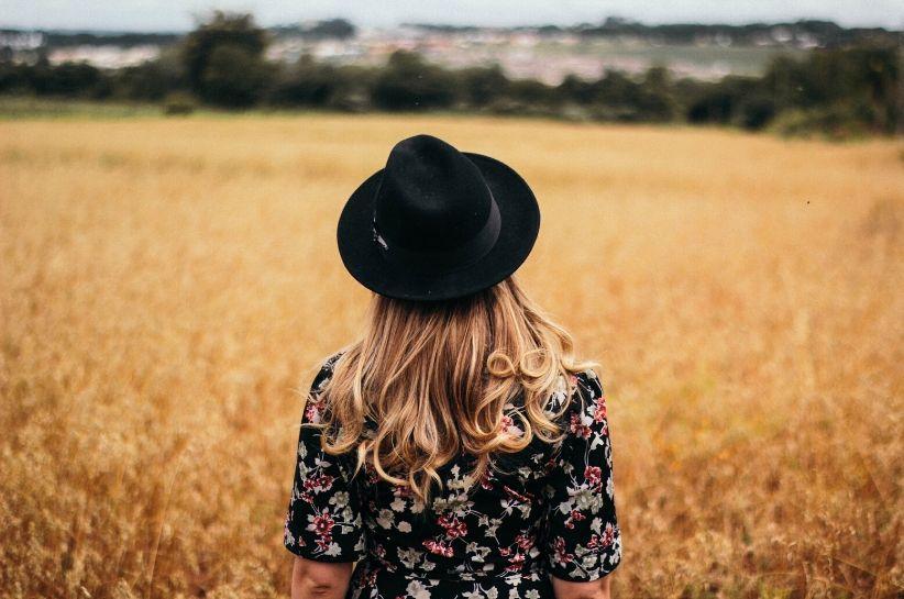 Stilizări cu pălărie – crează o imagine originală pentru fiecare ocazie
